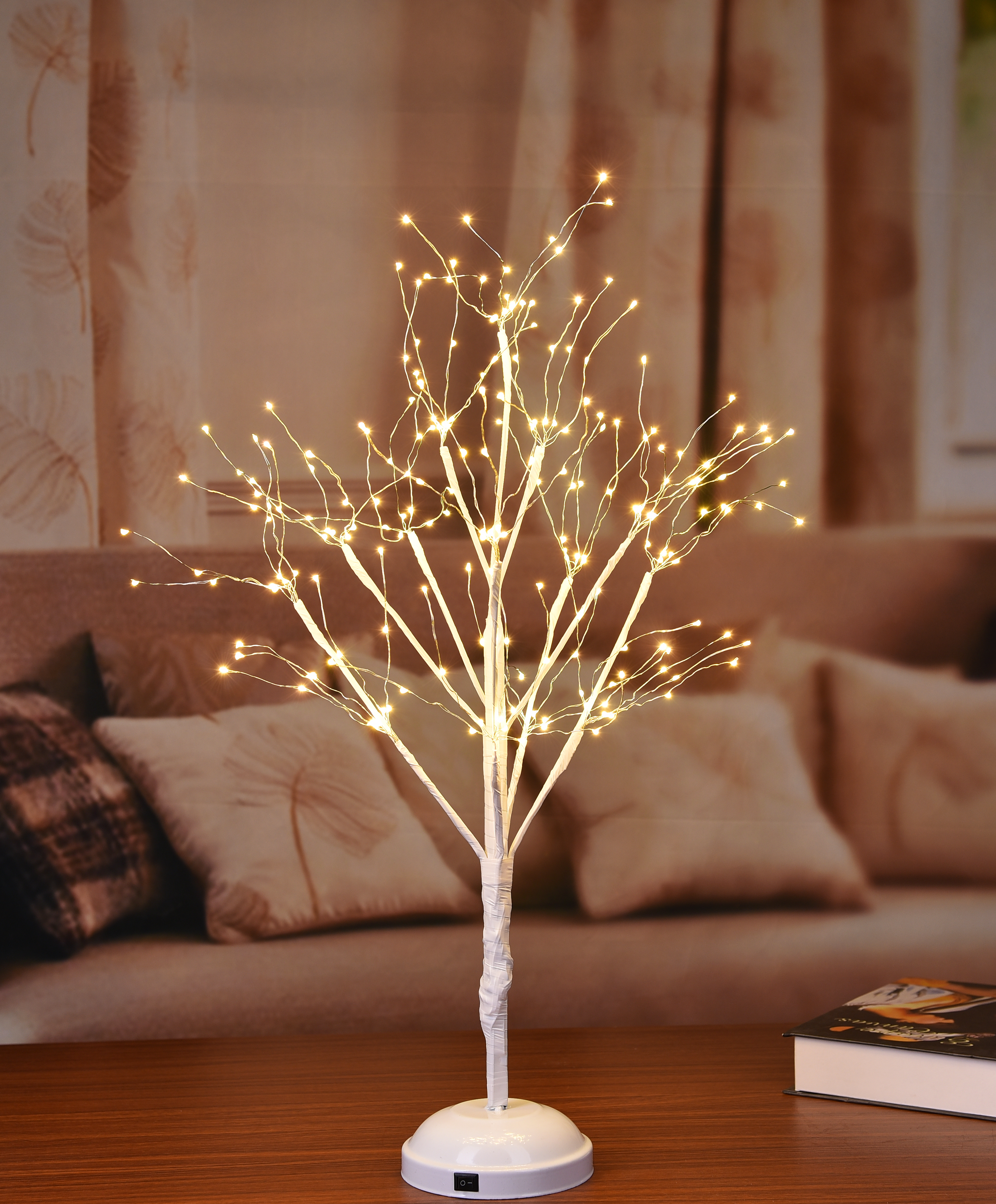 LED TREE WITH WARM WHITE LIGHTS 2'